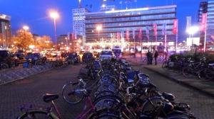 De lange fietsrekken in januari 2014.