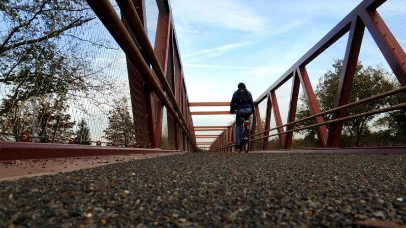 Een eerste ritje over fietsbrug deGagel