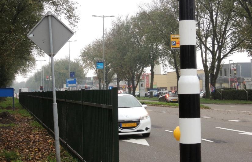 Slecht zicht door hek bij fietsoversteekFranciscusdreef